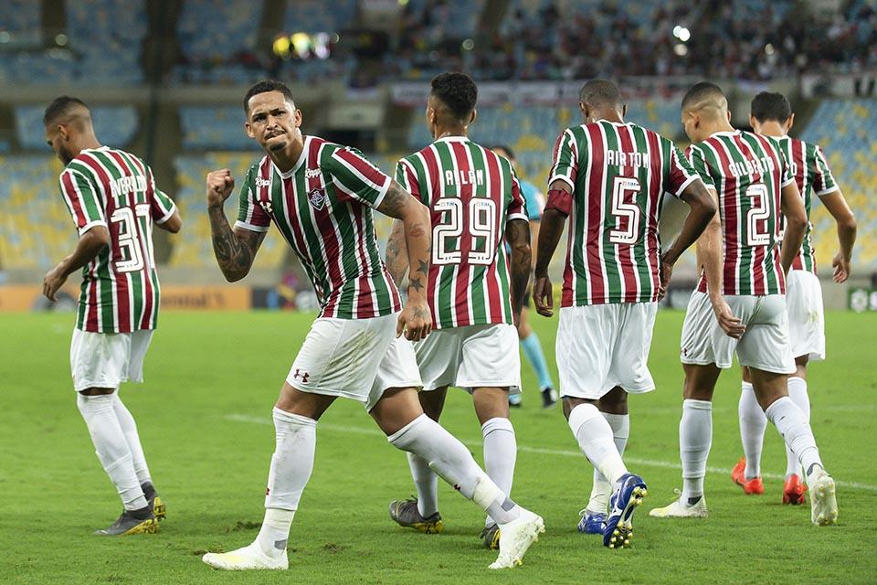 Resultado de imagem para Fluminense 2x0 Santa Cruz